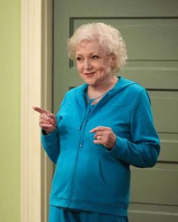 http://www.hollywoodoutbreak.com/wp-content/uploads/2010/06/hot-in-cleveland-bettywhite-350x437.jpg