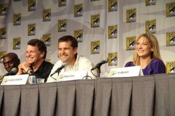 Fringe stars Lance Reddick (left), John Noble, Joshua Jackson and Anna Torv (right) at the show's popular panel session at Comic-Con (Copyright 2010 WBEI)