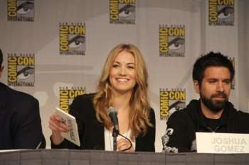Chuck stars Yvonne Strahovski (left) and Joshua Gomez (right) at the Comic-Con panel. (Copyright 2010 WBEI)