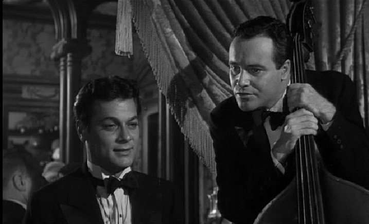 Tony Curtis (l.) with Jack Lemmon in Some Like It Hot (1959)