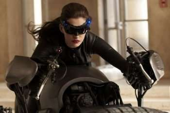 anne-hathaway-dark-knight-rises-catwoman-small