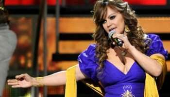 jenni-rivera-mic