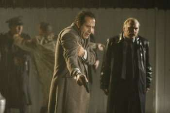 """""""Mr. Monk and the End, part 2"""" -- Pictured: (l-r) Tony Shalhoub as Adrian Monk, Ted Levine as Capt. Leland Stottlemeyer -- USA Network Photo: Hopper Stone"""