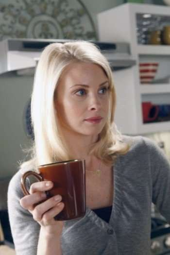 """PARENTHOOD -- """"The Deep End of the Pool"""" Episode 103 -- Pictured: Monica Potter as Kristina Braverman -- Photo by: Chris Haston/NBC"""