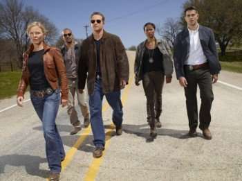 CHASE -- Pictured: (l-r) Kelli Giddish as Annie Frost, Amaury Nolasco as Marco Martinez, Cole Hauser as Jimmy Godfrey, Kelli Giddish as Annie Frost, Rose Rollins as Daisy Ogbaa, Jesse Metcalfe as Luke Watson -- Photo by: Mitchell Haaseth/NBC