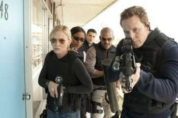 CHASE -- Pilot -- Pictured: (l-r) Kelli Giddish as Annie Frost, Rose Rollins as Daisy Ogbaa, Jesse Metcalfe as Luke, Amaury Nolasco as Marco Martinez, Cole Hauser as Jimmy Godfrey -- Photo by: Vivian Zink/NBC