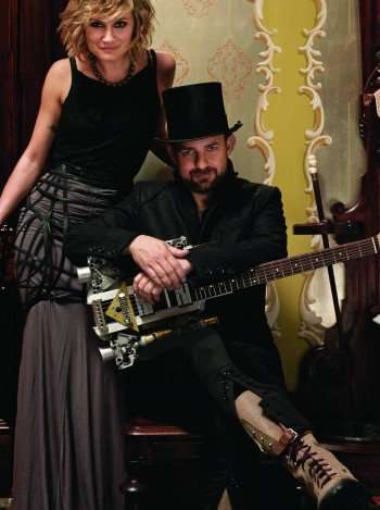 Pictured: Jennifer Nettles (left) and Kristian Bush (right) of Sugarland.