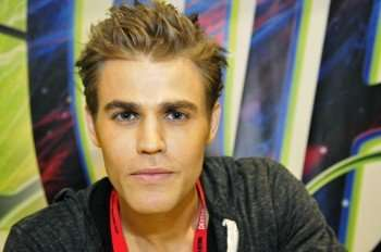The Vampire Diaries star Paul Wesley at the signing in the Warner Bros. booth (Copyright 2010 WBEI)
