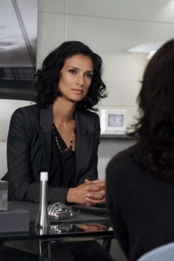 """Ilsa (Indira Varma) listens to a potential client's story before accepting the case in the HUMAN TARGET episode """"The Wife's Tale"""" airing Wednesday, Nov. 24 (8:00-9:00 PM ET/PT) on FOX. ©2010 Fox Broadcasting Co. CR: Michael Courtney/FOX"""