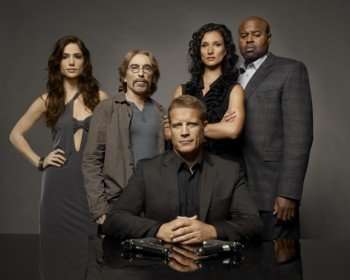 Chance (Mark Valley, C) and his team return in the HUMAN TARGET season premiere episode on FOX. Also Pictured L-R: Guest-star Janet Montgomery, Jackie Earle Haley, Indira Varma and Chi McBride. ©2010 Fox Broadcasting Co. CR: Michael Lavine/FOX