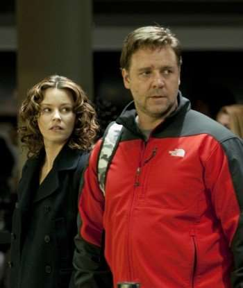 """Lara Brennan"" (Elizabeth Banks) and ""John Brennan"" (Russell Crowe) in ""The Next Three Days."" (Credit: Phil Caruso)"