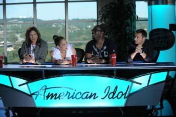 L-R: Steven Tyler, Jennifer Lopez, Randy Jackson and Ryan Seacrest answer questions at the AMERICAN IDOL press conference on the IDOL set in Austin, Texas on Sunday, Oct. 9, 2010. CR: Michael Becker / FOX.