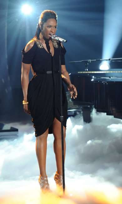 Jennifer Hudson performed on AMERICAN IDOL Thursday, March, 24th. CR: Michael Becker / FOX.