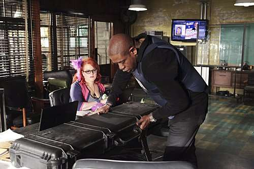 Pictured left to right: Kirsten Vangsness and Forest Whitaker from CRIMINAL MINDS: SUSPECT BEHAVIOR. Photo: ADAM TAYLOR/ABC. ©2010 ABC STUDIOS. All Rights Reserved.