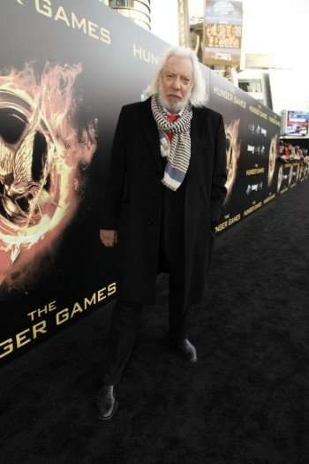 247964-donald-sutherland-at-the-hunger-games-world-premiere-at-nokia-theater