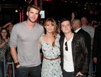 jennifer-lawrence-liam-hemsworth-josh-hutcherson-pictures