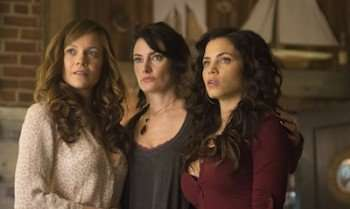 Witches of East End (A&E Television Networks, CR: Sergei Bachlakov)