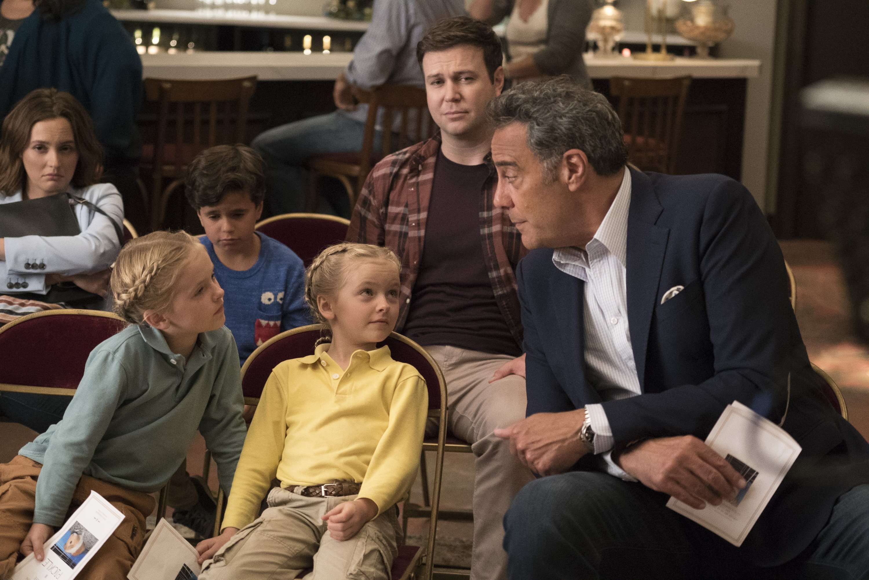 As A 'Single Parent,' Brad Garrett Has It Rough ...Brad Garrett Family